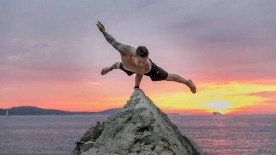 Йога для мужчин: мифы и реальность